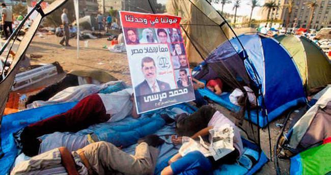 Devrimin simgesi 'Tahrir' kapandı