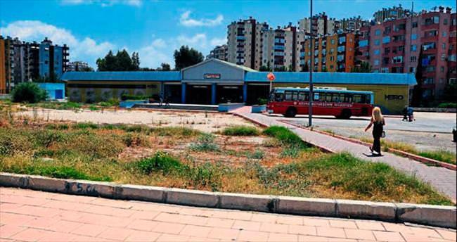 Yeşil alan görünce Büyükşehir atlıyor