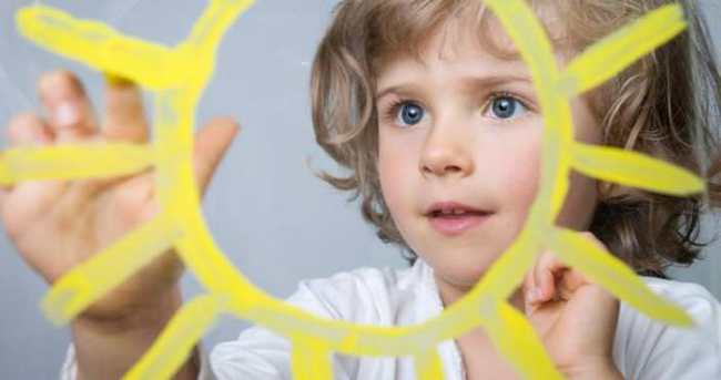 Çocuklar güneş ışınlarından yararlanmalı