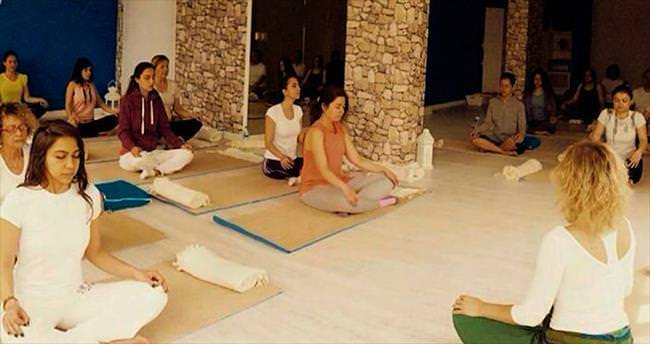 Yeni trend 'yoga tatili'yle arınma