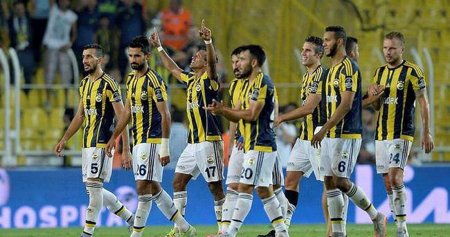 Fenerbahçe'nin Avrupa kadrosunda değişiklik