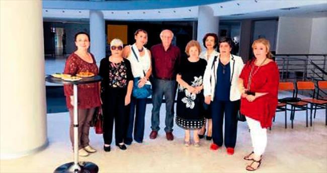 Mustafa Ayaz'da Yaza Veda sergisi