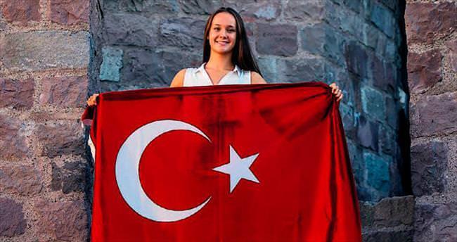 'Türk vatandaşı olduğum için pişman değilim'