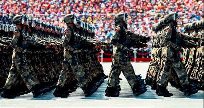 Çin'den Zafer Günü gösterisi