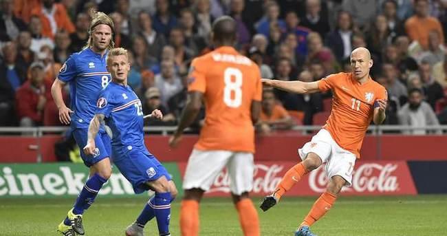 Türkiye maçı öncesi Hollanda'da çifte şok!
