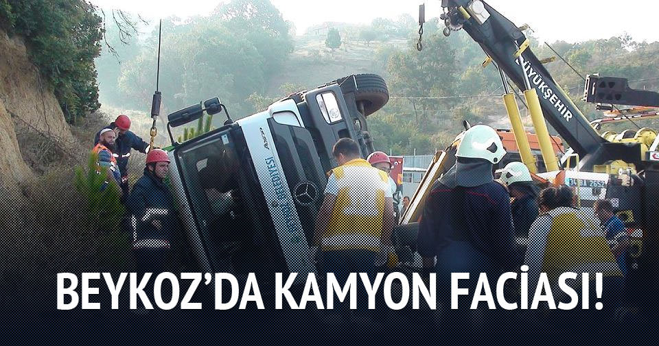Beykoz'da çöp kamyonu devrildi: 1 ölü
