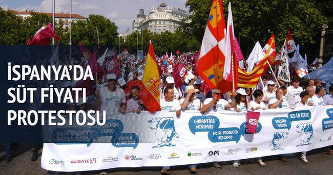 İspanya'da süt fiyatı protestosu