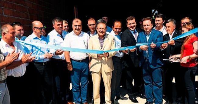 Balıkesir'de üreticilere belediye desteği sürüyor