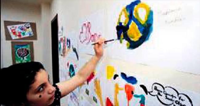 Kâğıthane'de çocuklar Suriyeli Aylan için çizdi