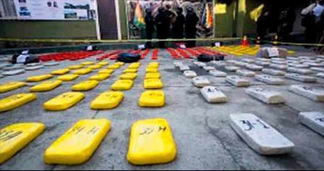 Askeri uçakta 1 milyon dolarlık kokain bulundu