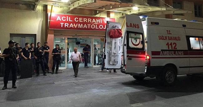 Teröristlerin bombası ellerinde patladı: 1 ölü