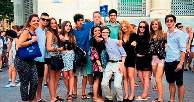 Gaziantepli öğrenci Türkiye'yi temsil etti
