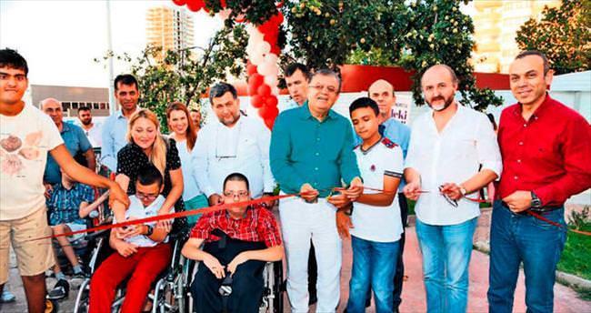 Engelli çocuklar festival etkinliklerine katılıyor