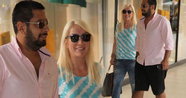 Seda Sayan ile sevgilisi Erkan Çelik el ele alışverişte