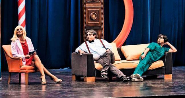 'Güldür Güldür' ekibi sürpriz konuklarıyla Açıkhava'da