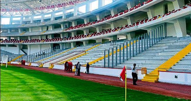 AÜ Stadı'nda devam