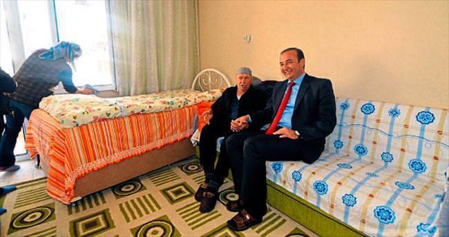 Ceyhan Belediyesi yaşlıları unutmuyor