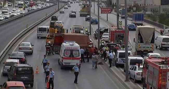Beylikdüzü D-100 karayolunda trafik kazası