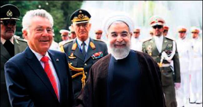 Suriye'de öncelik demokrasi değil