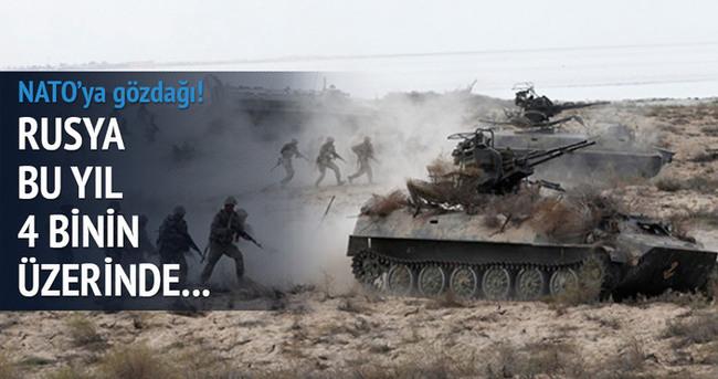 Rusya, askeri tatbikatlarını artırdı