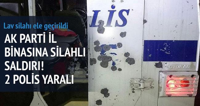 Ak Parti il başkanlığına saldırı : 2 polis yaralı