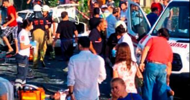 Urla'da trafik kazası: 1 ölü, 10 yaralı var