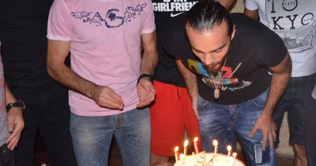 Erkan Kaş'a sürpriz doğum günü