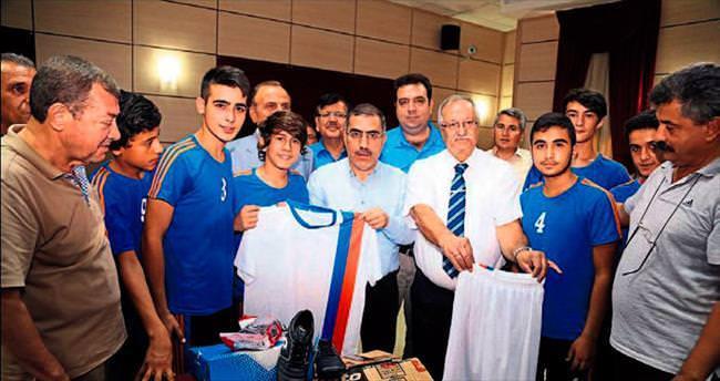 Başkan Çelikcan'dan amatörlere destek
