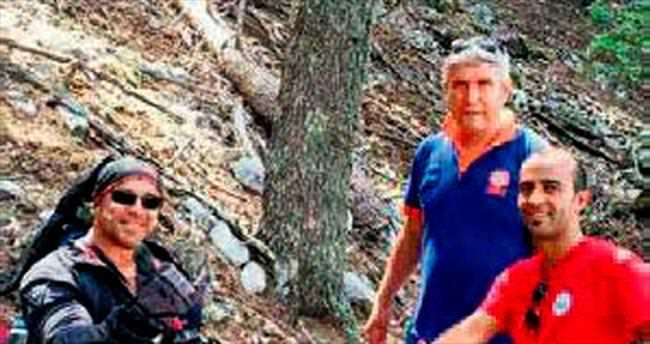 İskoç paraşütçüyü sedir ağacı kurtardı