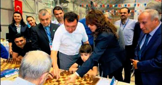 Satrançta ilk hamleyi kaymakam Şahin yaptı