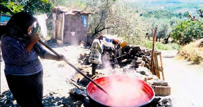 Köylerde salça zamanı