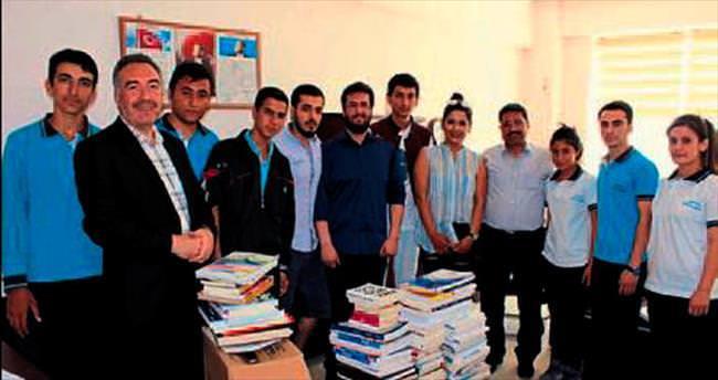 HKÜ öğrencilerinden liseli öğrencilere kitap desteği
