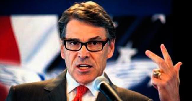 Rick Perry: Adaylıktan çekildim