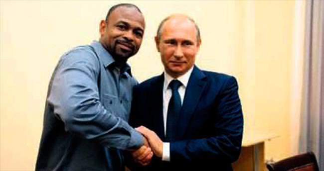 ABD'li ünlü boksör artık Rus vatandaşı