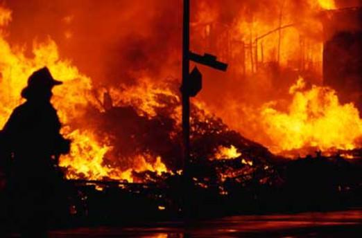 Polis lojmanlarında yangın