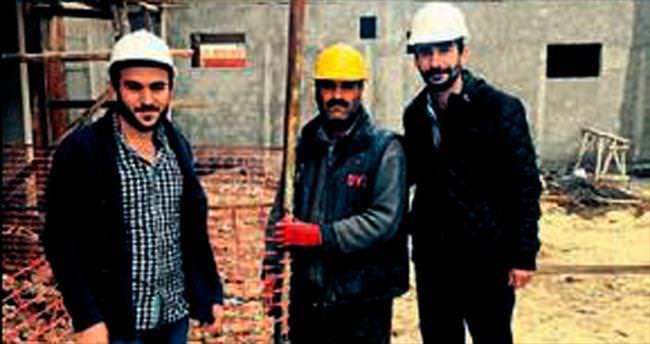 Hasan Kalyoncu inşatçıları eğitiyor