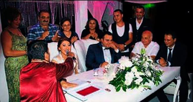 Yeniköy Stadı'nda unutulmaz düğün