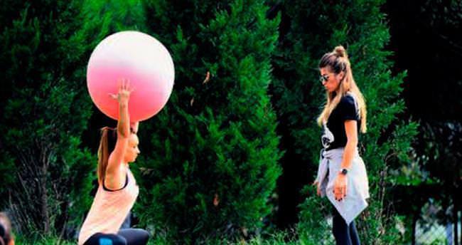 Parkta pilates