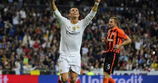 Ronaldo, Shakhtar'ı dağıttı