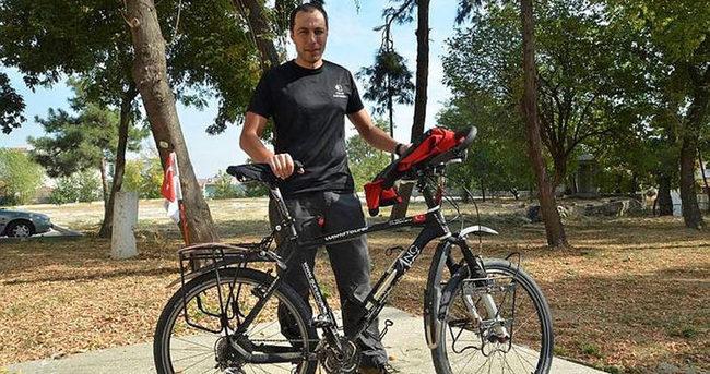 Türk gezgin bisikletiyle Afrika turunda