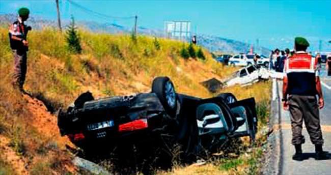 AK Partili Bilgiç kaza yaptı: 2 ölü