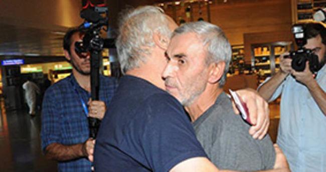 Serbest bırakılan 2 işci Türkiye'de