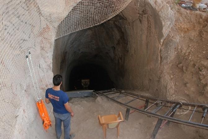 Tokat Kalesi'ndeki Gizli Geçidin 45 Metresi Açıldı