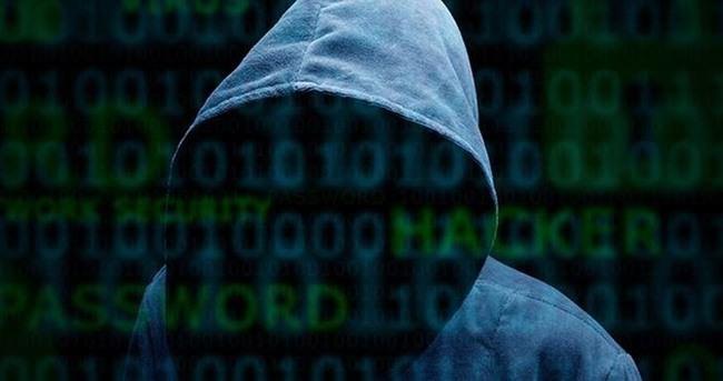 Onbinlerce bilgisayara saldırı düzenleyen iki genç yakalandı
