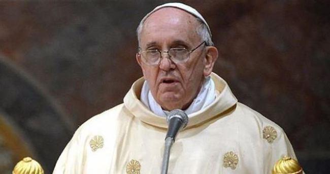 Papa Batı'yı eleştirdi, Türkiye'yi övdü