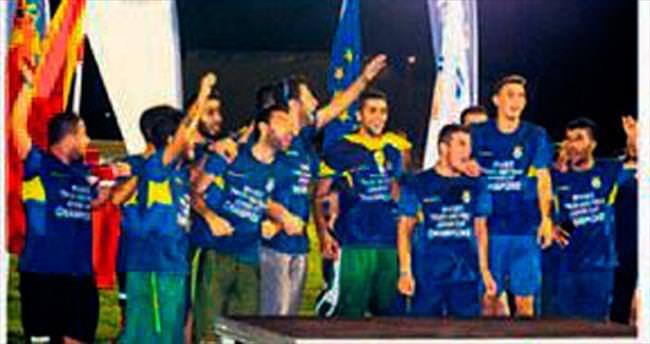 Fenerbahçe duble peşinde