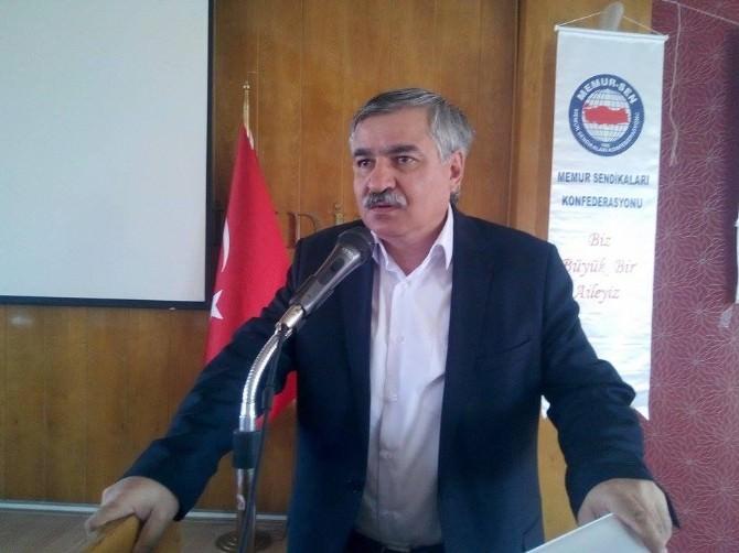Eğitim-bir-sen Genel Başkan Yardımcısı Latif Selvi: