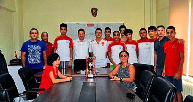 Adana atletizmde yatılı merkez olacak