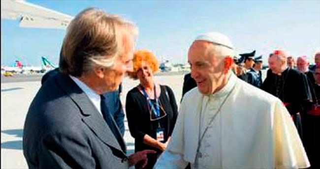 Papa, Küba ve ABD ziyaretine başladı