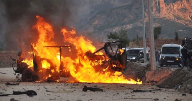 Hakkari'de bomba yüklü araç patladı
